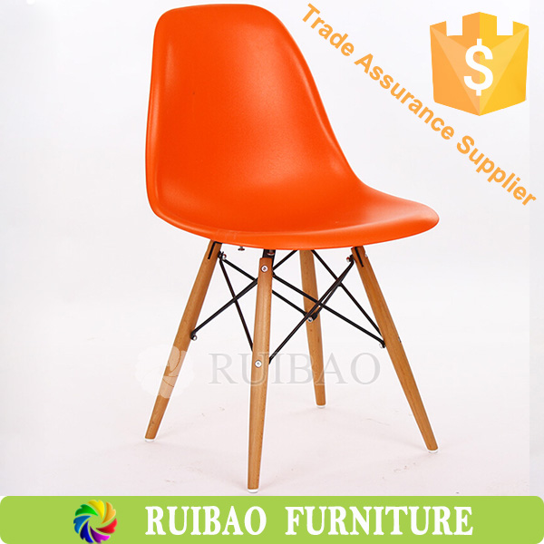 Popular Style Classical PP Plastic Most Comfortable Dining Room Chairs with best price