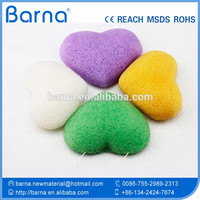 2017 HOT SALE Bathing Natural heart shape cleaning face sponge with packaging