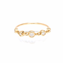 14k linked graduated bezel diamond full finger ring