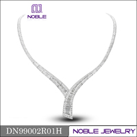 Brand new solid 18K white gold diamond necklace