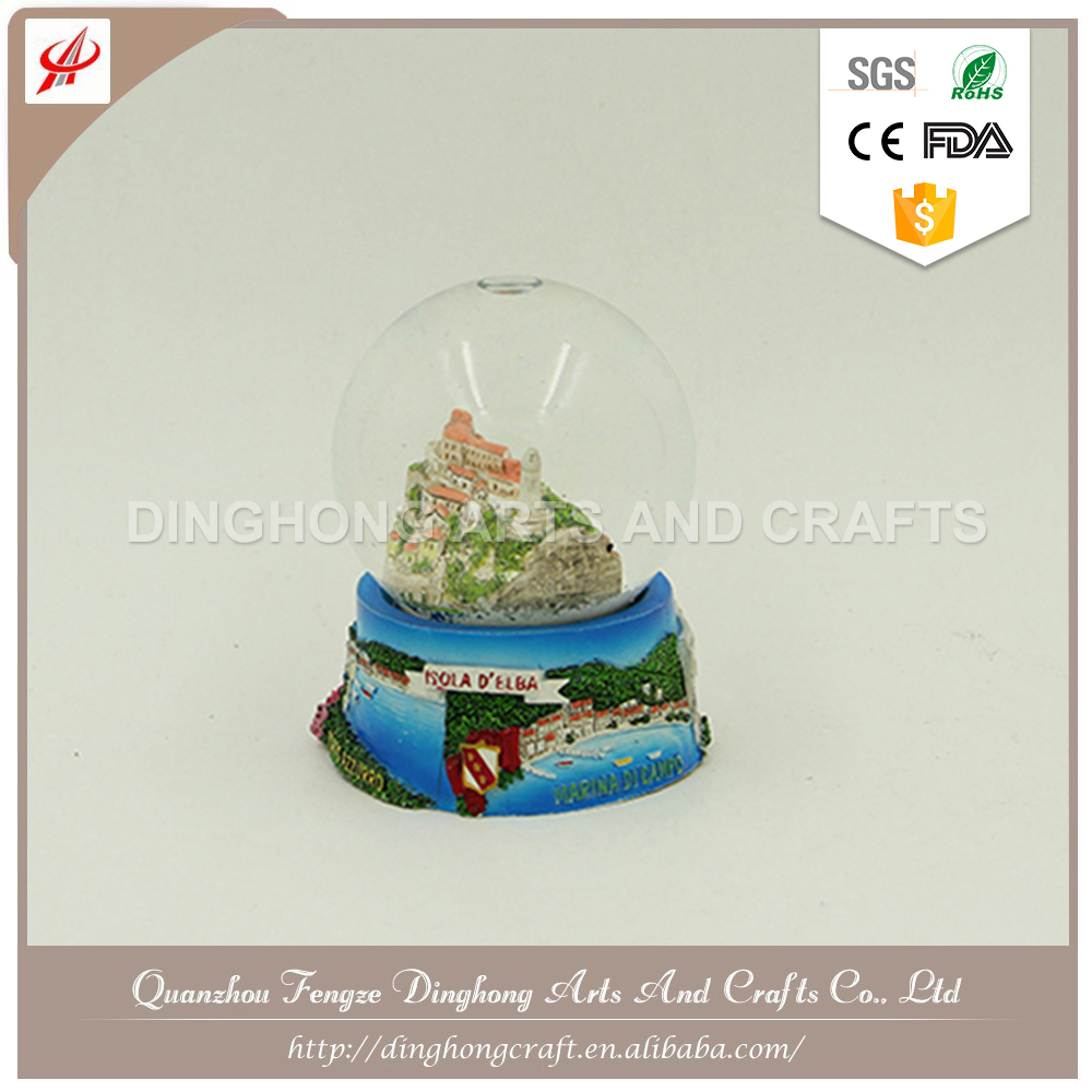 Custom Polyresin Base Crystal Ball Plastic Heart Photo Snow Globe