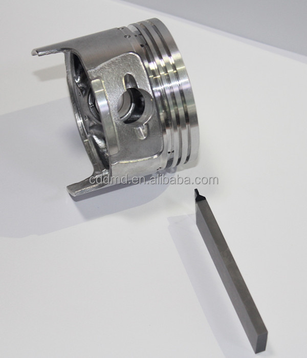 PCD grooving tool for piston