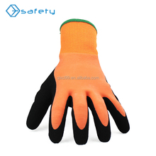 Low temperature latex dipped workers gloves