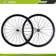 Cheap bike wheels 700c 16-24 hole light weight Straight Pull 38mm carbon wheels tubular Chinese bike wheels 38T