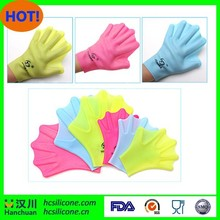 New design silicone swimming glove with favorable price