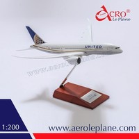 Boeing B787-8 1:200 United Airlines Aircraft Model Tailor Made Excellent Plastic One Piece Wooden Stand Passenger Product Shop