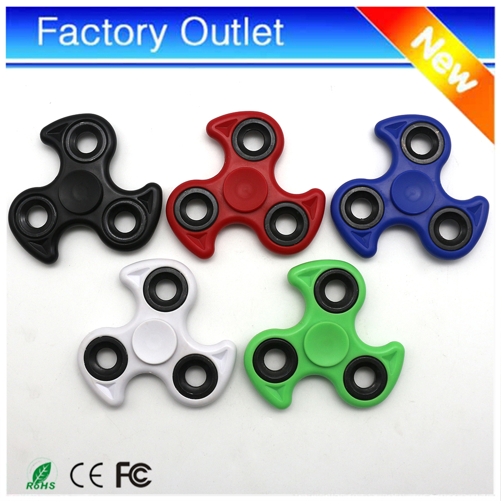 In stock 3 Bar Plastic Caps wind Finger spinners tri fidget custom