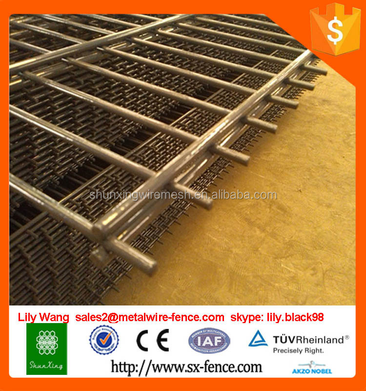 Alibaba China wire mesh fence tennis court fence
