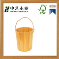 Varnishing wooden buckets / wooden barrels with string handle