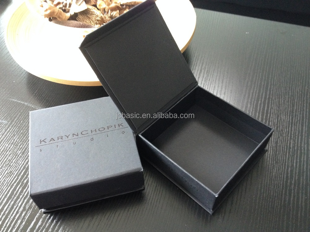 customize high quality packaging paper gift boxs