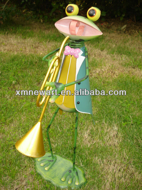 Garden Metal Craft Muscial instrumental Frog with flower pot