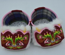 Chinese traditional folk art handicrafts Tiger head shoes