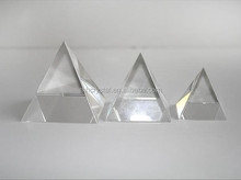 Clear glass pyramid MH-F0395