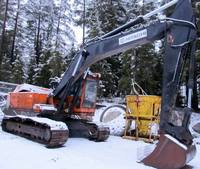 Hitachi Hydraulic Track Type Excavator Model UH083
