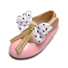 fashion style lace butterfly rubber sole baby shoes