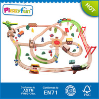 2015 hot seller most popular kid toy 110piece wooden train track AT11597