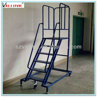 Foldable steel round tube step ladder