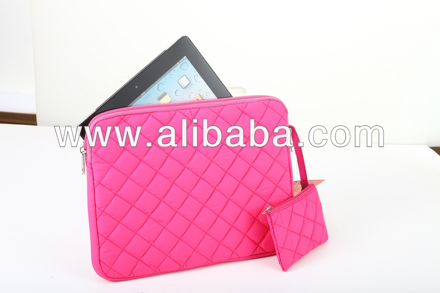 "11"" Pink Quilted Ladies Tablet case with Small Pouch"