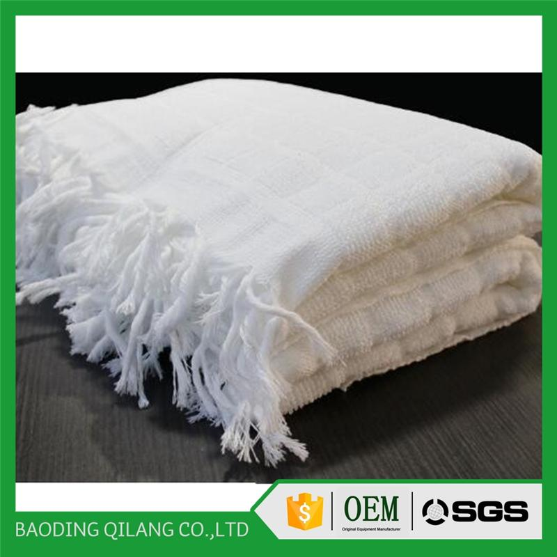 White100% polyester Ihram muslim hajj towel with tassel