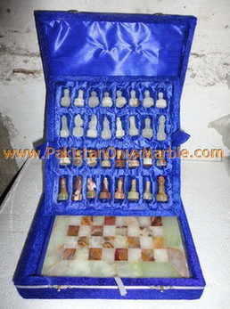 EXPORT QUALITY ONYX CHESS BOARDS WITH FIGURES