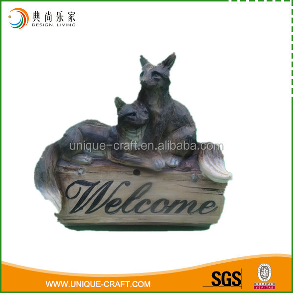 Handmade polyresin fox figurine for garden ornaments