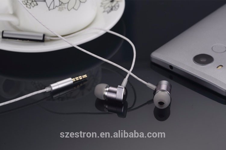 In-Ear Metal Earphones Stereo Bass Hybrid Dual driver Headphones