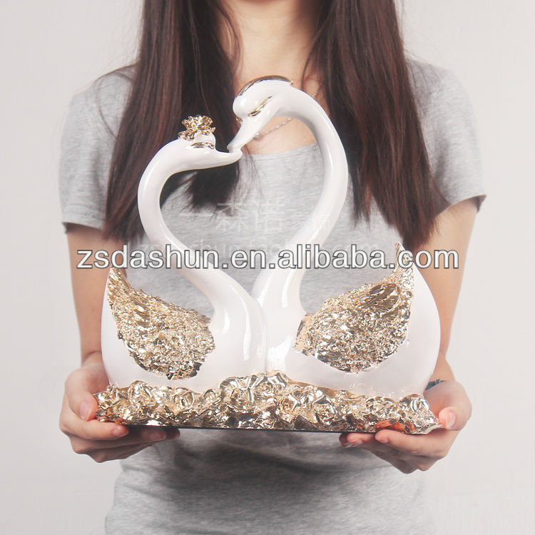 DS130022 hot sale swans kiss sculpture animal wedding &home decoration
