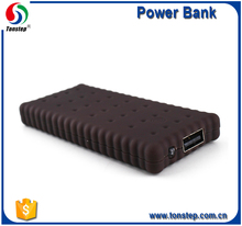 portable new design Biscuit Polymer 2000mAh Power Bank with Torch