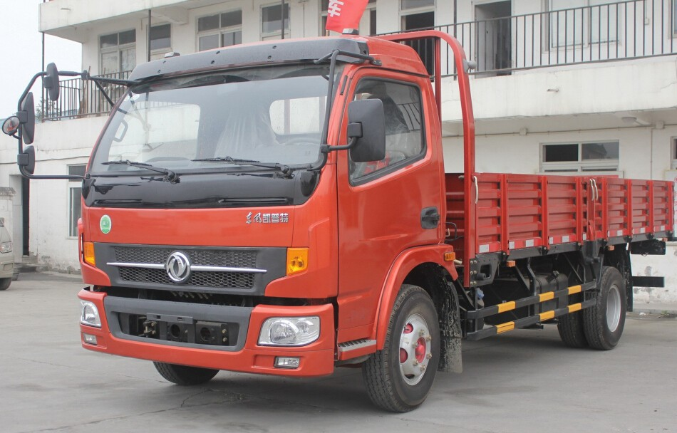 Top quality 5T-8T Dongfeng Captain light cargo Truck for transportation