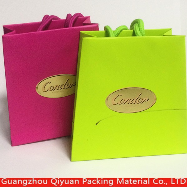Custom small hand paper bag free sample