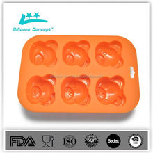 Anti slip heat resistant silicone baguette baking tray