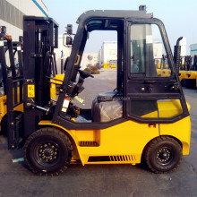 2t Diesel Hyster Forklift with attachment