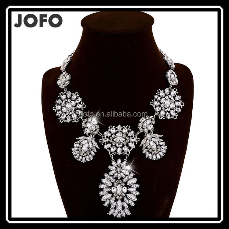 European And American Fashion Accessories Exaggerated Transparent Crystal Flower Necklace Jewelry Supply