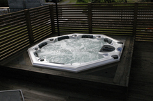 2016 hot sell China manufacturer luxury outdoor spa round tub for 4-6 person