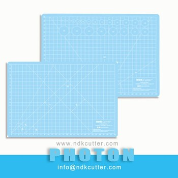 PVC cutting mat for quilting & sewing