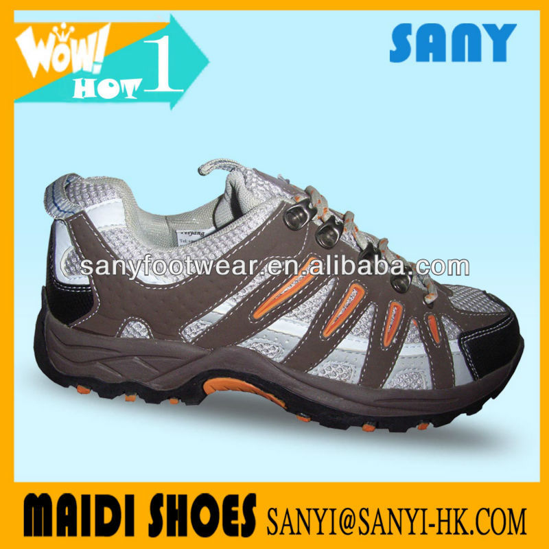2016 New Designed Men Sand Genuine Leather Hiking Shoe with Durable MD Outsole
