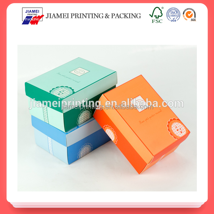 2017 New food grade paper gift box packaging for wholesale