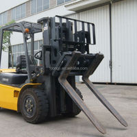 Economically tipping forklift adjusting fork