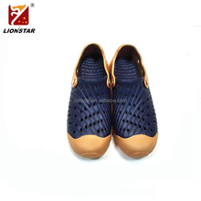 Simple color man rubber garden shoe