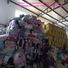 secondhand clothing / large quantity unsorted material in warehouse / used clothing lots