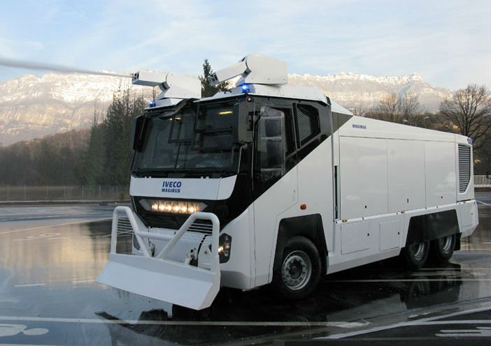 antiriot water canon iveco