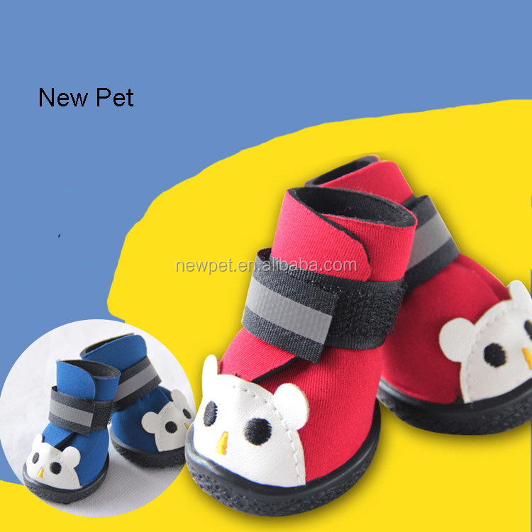 Eco-friendly reasonable price cartoon bear figure anti-skidding lovely winter pet dog shoes