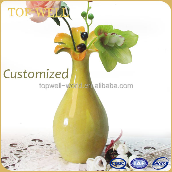 Modern simple design ceramic flower vase, green small vase factory in Dehua
