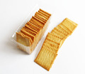 Cheap curry beef flavored thin semi hard biscuit , low fat low fat cracker