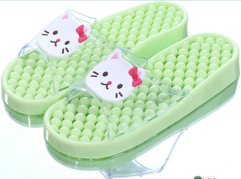 BEIXIDUO Hot Sale 2016 Cute Carton Character Applique PVC Girls Bathroom Massage Slippers