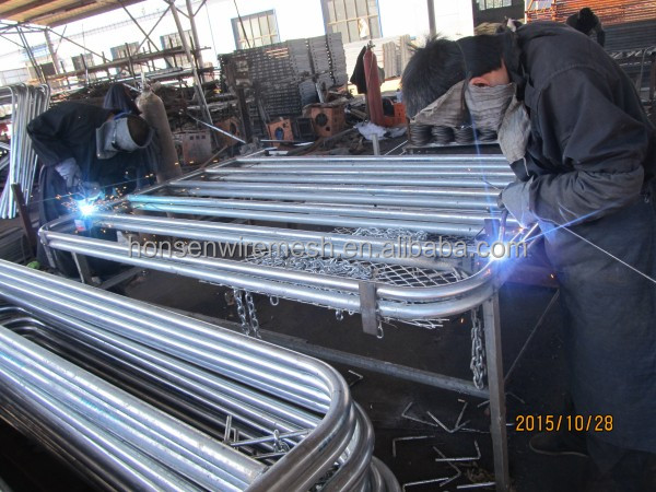 2015 the newest type of Galvanized cattle fencing panels metal fence
