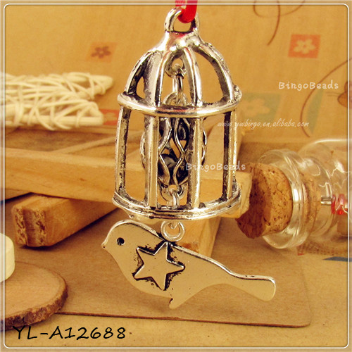 grossiste breloque cage oiseau acheter les meilleurs breloque cage oiseau lots de la chine. Black Bedroom Furniture Sets. Home Design Ideas