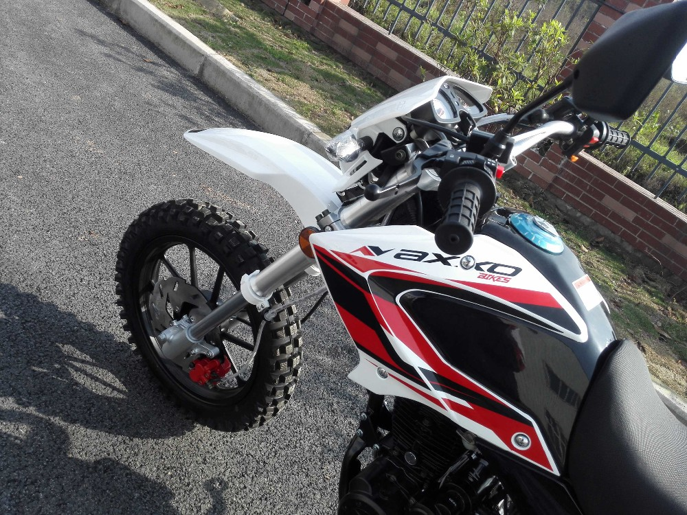 Motorcycles 200cc/250cc , high performance dirt bike/off road motorcycle.Chongqing zongshen engine motorcycles.