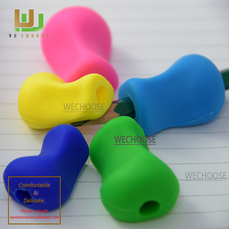 Safe and Comfortable silicone pencil grip help children holds a pen correctly Hot Selling handwriting helper