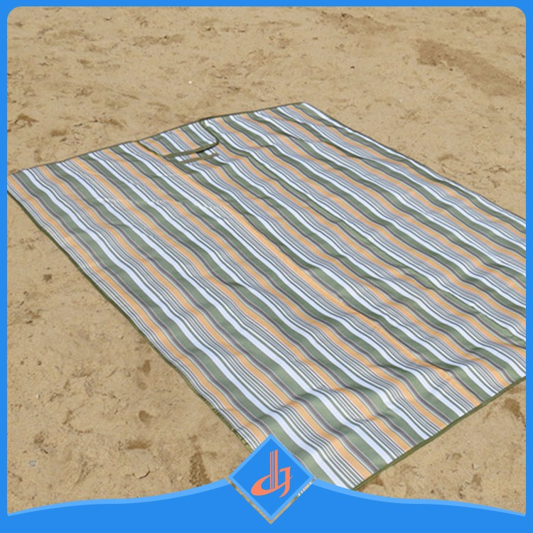 Manufacture Eco-friendly Extra Large Waterproof Anti Sand Beach Mat